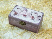 Orchideák kicsi ékszertartó fa doboz