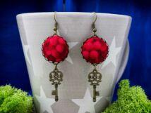 Vörös ribiszke textil gombos lógós fülbevaló