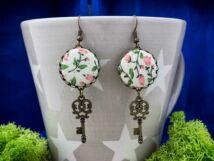 Romantikus vintage virágok kulcsa textil gombos lógós fülbevaló