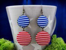 Piros és kék matróz csíkos textil gombos lógós fülbevaló