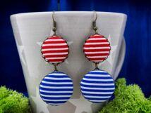 Kék és piros matróz csíkos textil gombos lógós fülbevaló