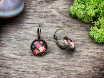 Üveglencsés rózsás fülbevaló