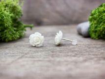 Fehér rózsa fülbevaló