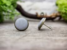 Hétköznapi szürke beton beszúrós fülbevaló