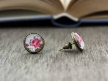 Üveglencsés vintage rózsa beszúrós fülbevaló