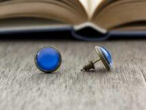 Üveglencsés kékség beszúrós fülbevaló
