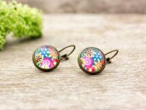 Üveglencsés színes virágos lógós fülbevaló
