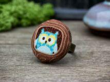Teodor a fülesbagoly textil gombos gyűrű