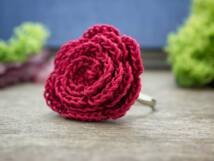 Horgolt bordó rózsa gyűrű