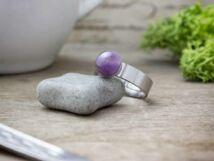 Védelmező ametiszt pöttöm acél gyűrű
