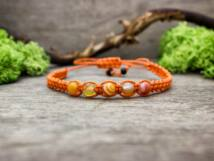 Narancs makramé karkötő achát gyöngyökkel