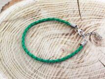 Zöld műbőr fonott karkötő