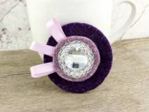 Gyapjúfilc lila és rózsaszín nagy kitűző