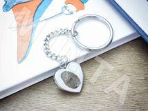 Ujjlenyomatos acél szív medálos kulcstartó