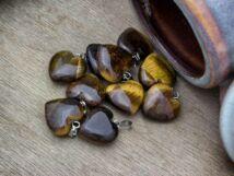 Tigrisszem szív ásvány medál
