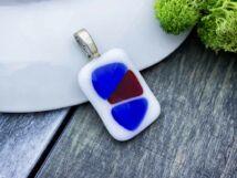 Kék fehér és piros üveg medál