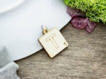 Scrabble T betű lézervágott nyírfa medál