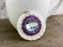 Gyapjúfilc fehér és lila csillogós medál