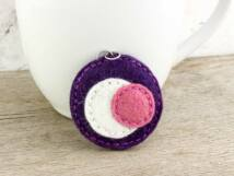 Gyapjúfilc lila és rózsaszín halmaz medál