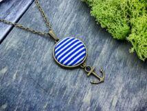 Kék matróz csíkos vasmacska textil gombos nyaklánc