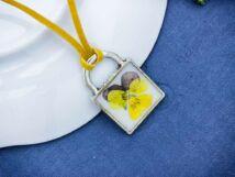 Műgyanta préselt kis árvácska virágos nyaklánc