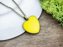 Boldogságot sugárzó sárga beton szív nyaklánc
