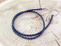Fonott műbőr sötét kék nyaklánc 45-50 cm