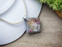 Orgonit műgyanta medál nyakláncon rózsakvarc törmelékkel