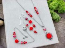 Piros színű rózsás fülbevaló karkötő és nyaklánc szett