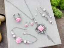 Rózsaszín rózsás fülbevalók karkötő gyűrű és nyaklánc szett