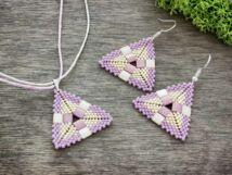 Lila piramis nyaklánc és fülbevaló szett