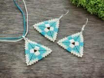 Fehér és kék piramis nyaklánc és fülbevaló szett