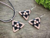 Fekete és rózsaszín piramis nyaklánc és fülbevaló szett