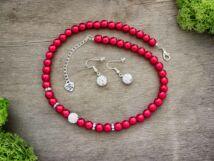 Piros színű kristályos fülbevaló és nyaklánc szett