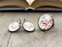 Üveglencsés pillangó a rózsákon gyűrű és fülbevaló szett