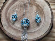Kék barna és fehér színű fűzött gömbös gyöngy nyaklánc és fülbevaló szett