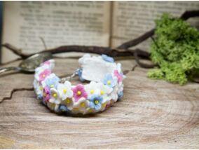 Gyapjúfilc tavaszi virágmező karkötő
