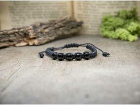 Fekete makramé karkötő ónix gyöngyökkel