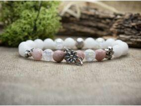 Virágos púder színű vegyes ásvány karkötő