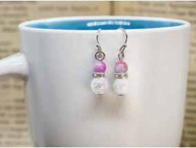 Hegyikristály és lila jáde ragyogás lógós fülbevaló