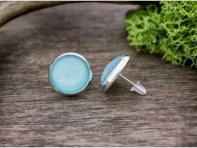 Üveglencsés kékség ezüst színű beszúrós fülbevaló