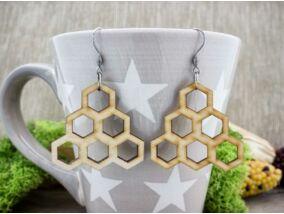 Dolgos méh lézervágott lógós nyírfa fülbevaló