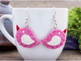 Rózsaszín madárka fülbevaló gyapjúfilcből