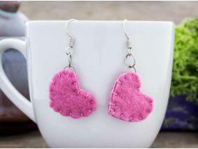 Rózsaszín szív gyapjúfilc kicsi lógós fülbevaló