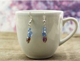 Kék és lila kristályos lógós fülbevaló