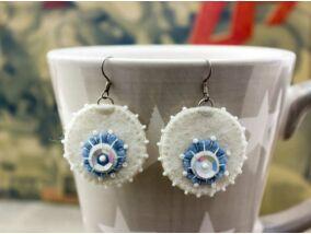 Fehér és kék gyapjúfilc nagy lógós fülbevaló