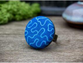 Tengerkék amőba textil gombos gyűrű