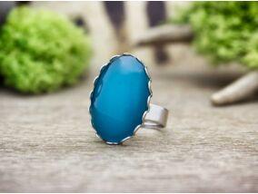 Csillogó türkizkék üveglencsés gyűrű