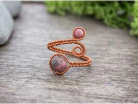 Rodonit ásvánnyal díszített réz drót gyűrű