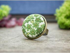 Zöld kertem textil gombos gyűrű